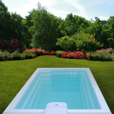 Mini piscine deva coque polyester x fond plat for Piscine polyester prix