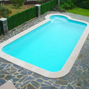 Piscine barahona coque polyester for Piscine en dur ou coque