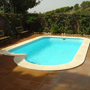 Piscine olbia coque polyester for Fournisseur piscine