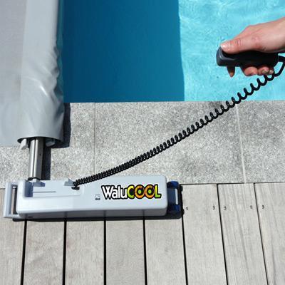 Manivelle motoris e walu cool pour couvertures barres for Enrouleur bache piscine rolltrot