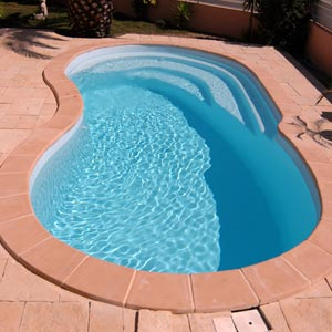 Piscines en kit prix discount for Avis piscine coque polyester