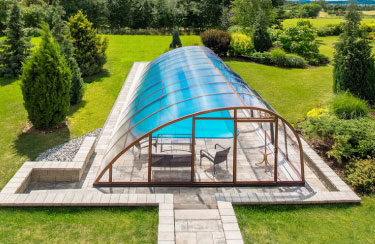 Abri de piscine forme oblique Windy