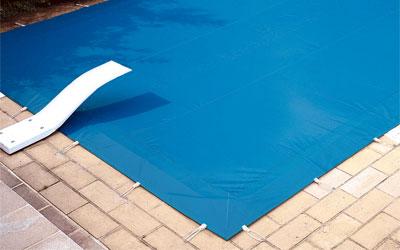 B ches d 39 hiver pour piscines filtrantes ou opaques faites for Bache opaque
