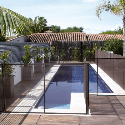 Cl tures et barri res pour prot ger votre piscine de toute for Cloture aluminium pour piscine