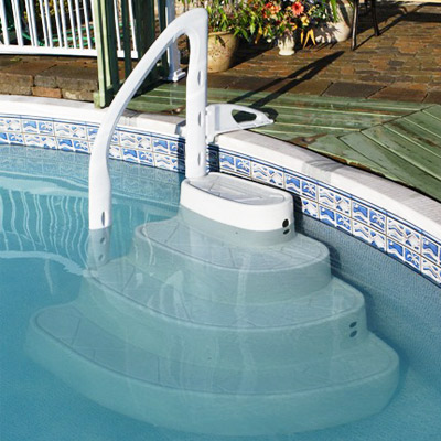 Escaliers amovibles quatre marches pour piscines hors sol enterr es for Accessoire piscine enterree
