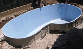Piscines en trap ze barahona coques polyester longueurs de 6m 9m30 for Prix piscine polyester