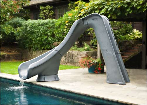Toboggan aquatique TYPHOON