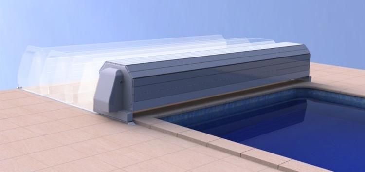 Volet hors sol eca capcir eco solaire sur rails for Volet roulant piscine sur rail